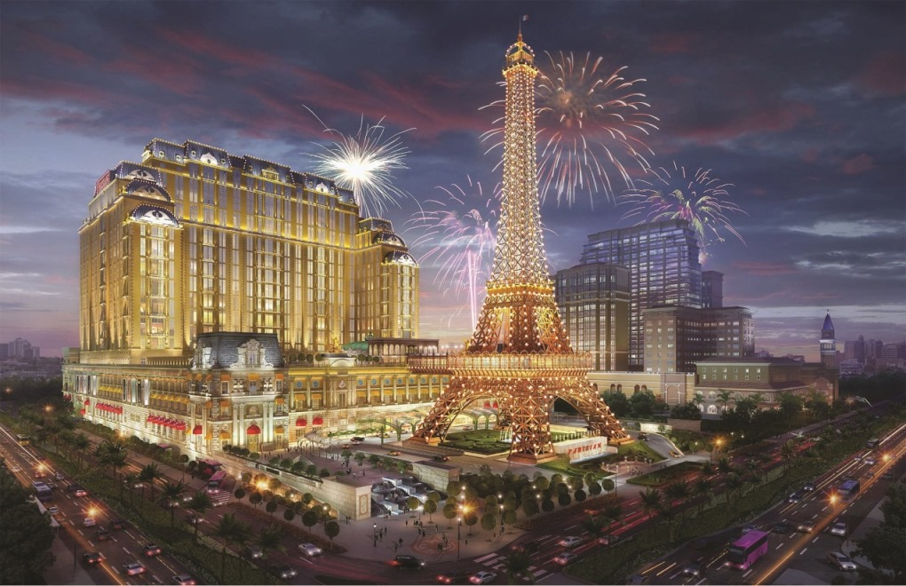Sands China Recruitment Fair for The Parisian Macao Draws Thousands of Locals